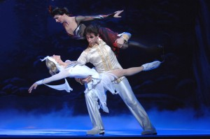 Swan_Lake_on_Ice_-_3_Lift