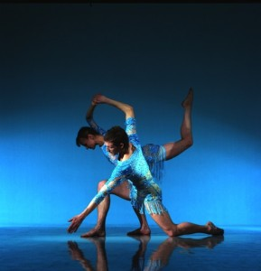 "Richard Alston Dance Company ""Shimmer"" photo by Chris Nash"