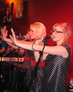 pipettes at g lounge.jpg