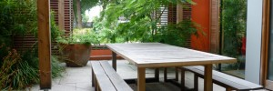 Outside, inside - an extension of the kitchen table